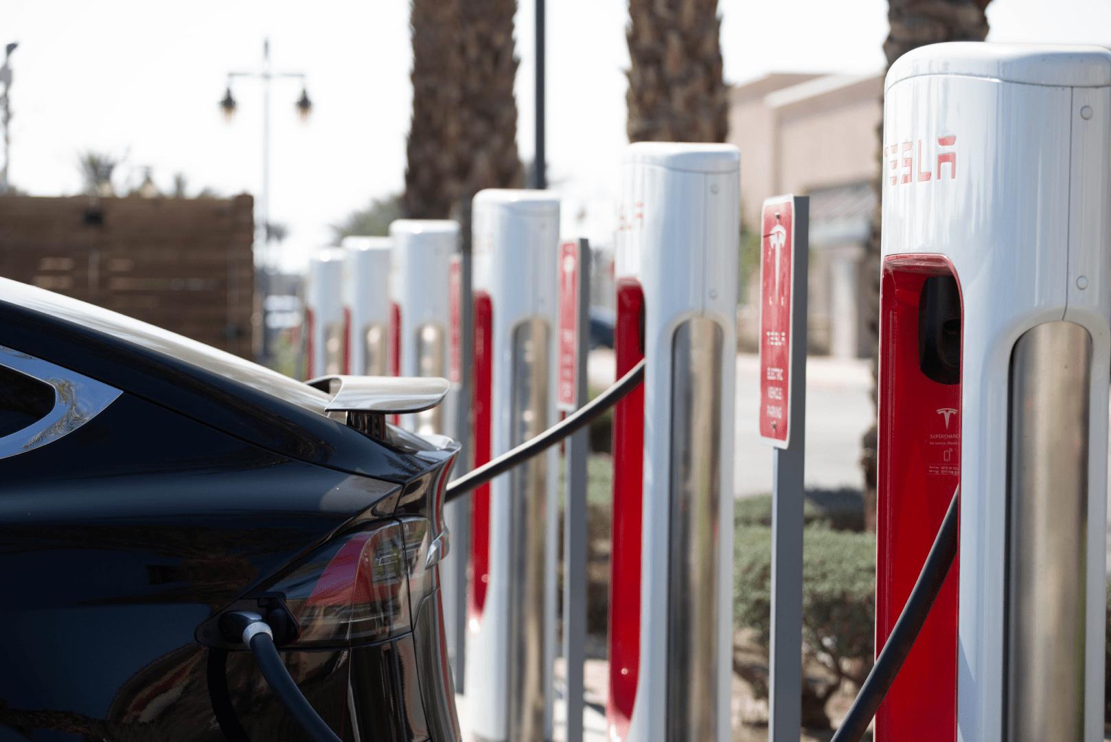 instalacion puntos recarga vehiculos electricos barcelona